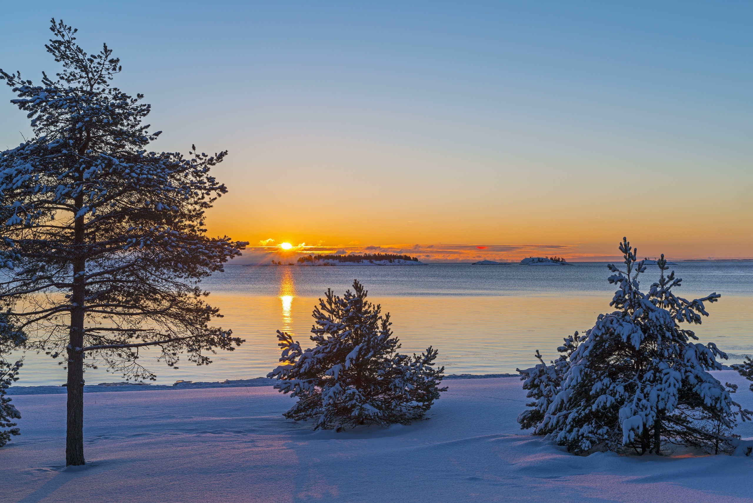 Kojonsaari photo. Sandy beach at winter time